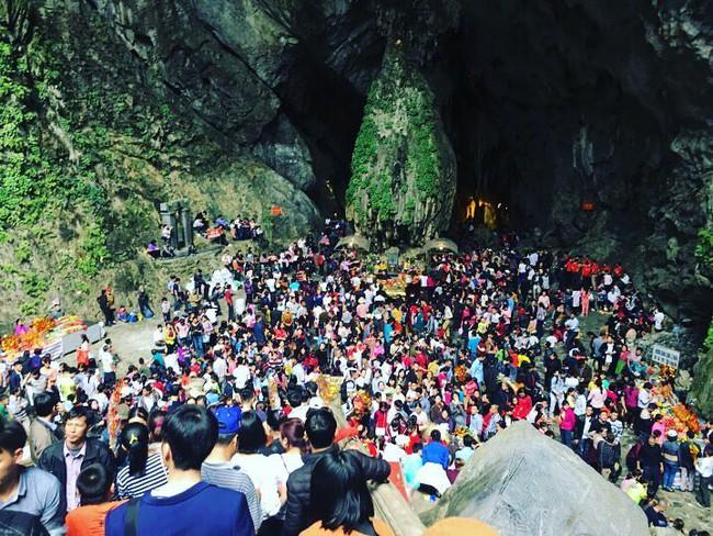 4 lễ hội đầu năm cứ khai hội là đông đến nghẹt thở của miền Bắc - Ảnh 2.