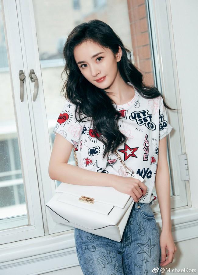 Dương Mịch bí mật trở lại Hong Kong thăm con gái sau khi ly hôn - Ảnh 3.