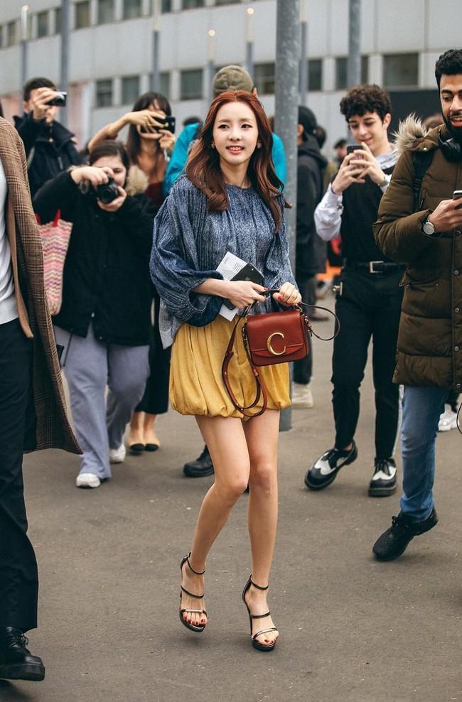 Cùng dự show Chloé, Jessica Jung phá dớp ăn mặc nhạt nhẽo, Dara xứng danh nữ hoàng hack tuổi - Ảnh 5.