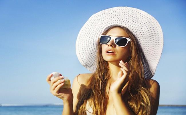 Bác sĩ da liễu chỉ ra sự thật của việc uống viên chống nắng giúp ra đường thoải mái cả ngày - Ảnh 3.