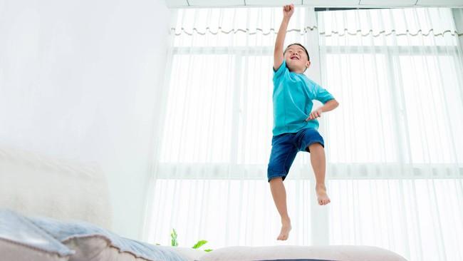 5 cách cha mẹ có thể áp dụng để giúp bình tĩnh lại những đứa trẻ quá mức hiếu động - Ảnh 1.