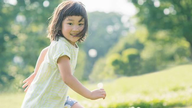 5 cách cha mẹ có thể áp dụng để giúp bình tĩnh lại những đứa trẻ quá mức hiếu động - Ảnh 2.