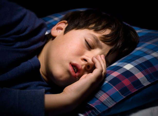 Mất ngủ, ngủ ngáy, mộng du là những vấn đề giấc ngủ của con không phải mẹ nào cũng nghĩ tới - Ảnh 3.