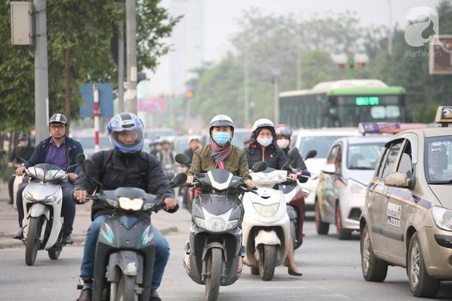 Hà Nội: Người dân trên đường Nguyễn Trãi phản ứng gay gắt sau thông tin sẽ cấm xe máy  - Ảnh 8.