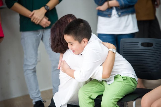 Người mẹ viết status tiếp thị về cậu con trai tự kỷ để tìm trường cho con: Chỉ cần nghe đến từ này là đã bị từ chối rồi - Ảnh 2.