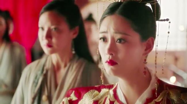 Biết fan mong ngóng, Tân Ỷ thiên tung ngay cảnh Triệu Mẫn phá đám cưới, cướp Trương Vô Kỵ khỏi tay Chu Chỉ Nhược - Ảnh 5.