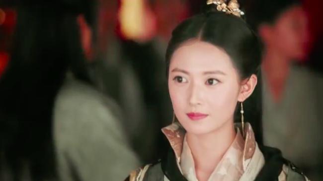 Biết fan mong ngóng, Tân Ỷ thiên tung ngay cảnh Triệu Mẫn phá đám cưới, cướp Trương Vô Kỵ khỏi tay Chu Chỉ Nhược - Ảnh 10.