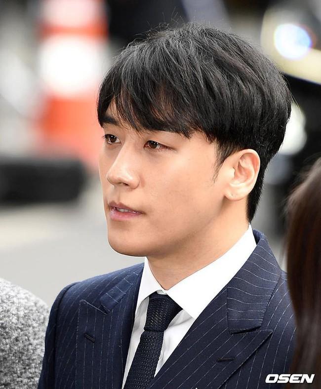 Seungri trình diện tại sở cảnh sát, dư luận mỉa mai: Sao trông vẫn béo tốt thế nhỉ? - Ảnh 2.