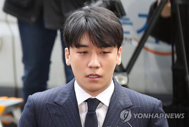 Seungri trình diện tại sở cảnh sát, dư luận mỉa mai: Sao trông vẫn béo tốt thế nhỉ? - Ảnh 7.