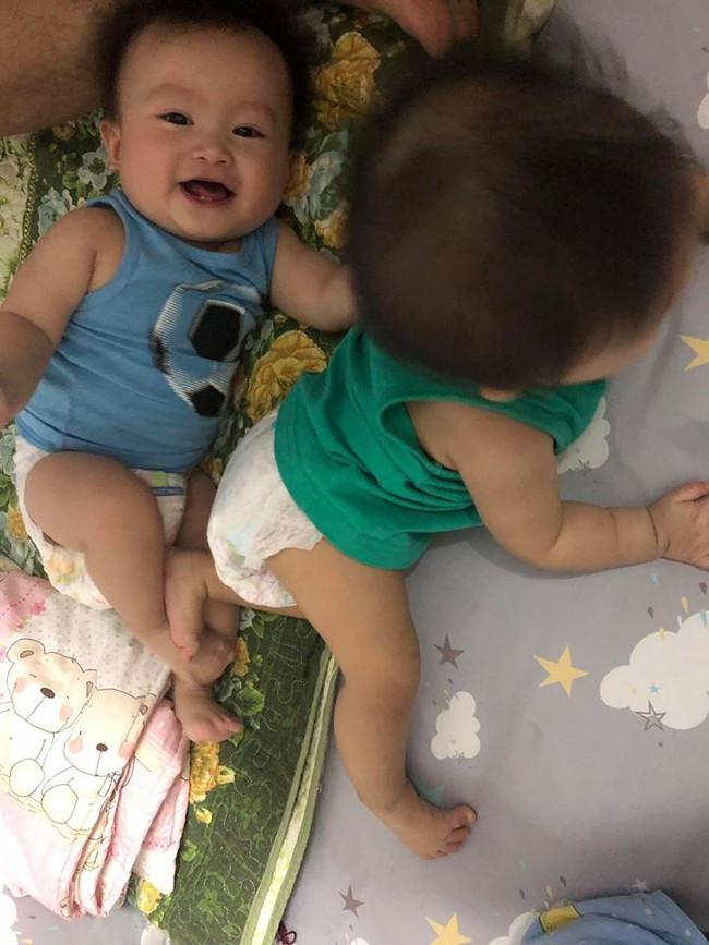 Sinh đôi 2 bé, tự một mình xoay xở nhưng mẹ 9X vẫn luyện con tự ngủ thành công nhờ phương pháp 6 bước - Ảnh 6.