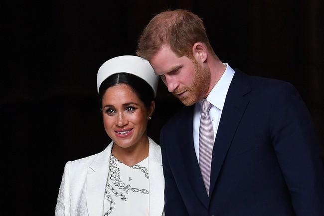 Khoảnh khắc Meghan rơi nước mắt khi ngồi cạnh chồng gây chú ý, Hoàng tử Harry được cho là cảm thấy khốn khổ với người vợ thích sự nổi tiếng của mình - Ảnh 2.
