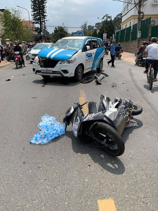 Thanh niên quốc tịch Mỹ gây tai nạn liên hoàn ở Đà Lạt kích động tại trụ sở công an - Ảnh 2.