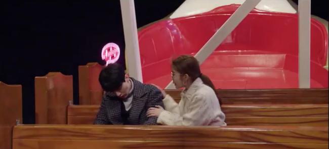 Cười ngất với 1.001 biểu cảm đáng xấu hổ của Lee Dong Wook khi chơi trò cảm giác mạnh - Ảnh 3.