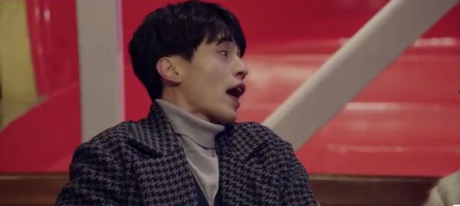 Cười ngất với 1.001 biểu cảm đáng xấu hổ của Lee Dong Wook khi chơi trò cảm giác mạnh - Ảnh 2.