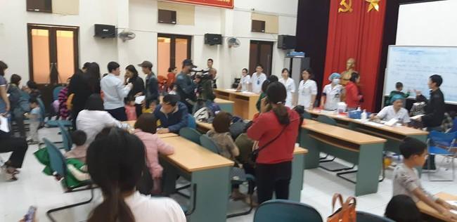 Bắc Ninh: Gần 400 học sinh mầm non nghi bị nhiễm khuẩn ấu trùng sán lợn phải xuống Hà Nội khám  - Ảnh 7.