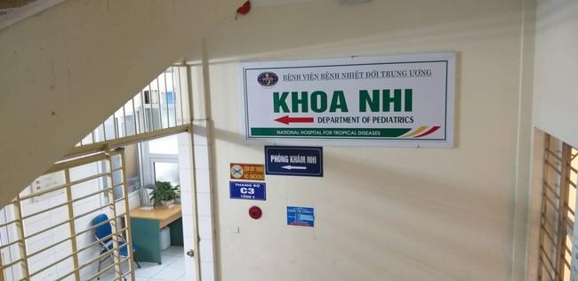 Bắc Ninh: Gần 400 học sinh mầm non nghi bị nhiễm khuẩn ấu trùng sán lợn phải xuống Hà Nội khám  - Ảnh 8.