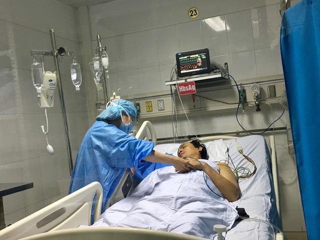 """Lần đầu tiên tại Việt Nam: """"Chia sẻ gan"""" từ người cho chết não để ghép cho hai bệnh nhân - Ảnh 3."""