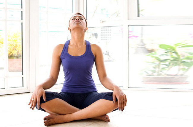 Các bài tập cải thiện vóc dáng, giảm đau cổ vai gáy hiệu quả - Ảnh 4.