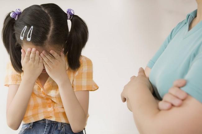Những phương pháp kỷ luật trẻ sai lầm bất cứ bậc phụ huynh nào cũng có thể mắc phải mà không biết - Ảnh 4.