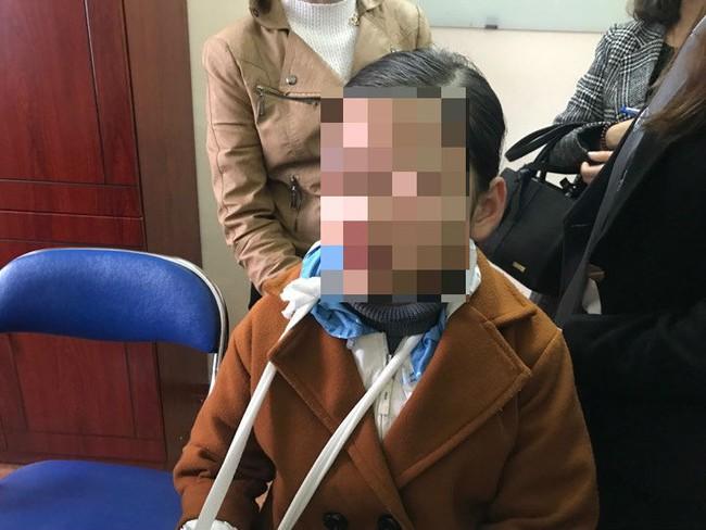 """Cha của bé gái 9 tuổi bị hiếp dâm ở vườn chuối: """"Nhiều người rỉ tai nhau vợ chồng tôi bán con để Trình được thả"""" - Ảnh 5."""