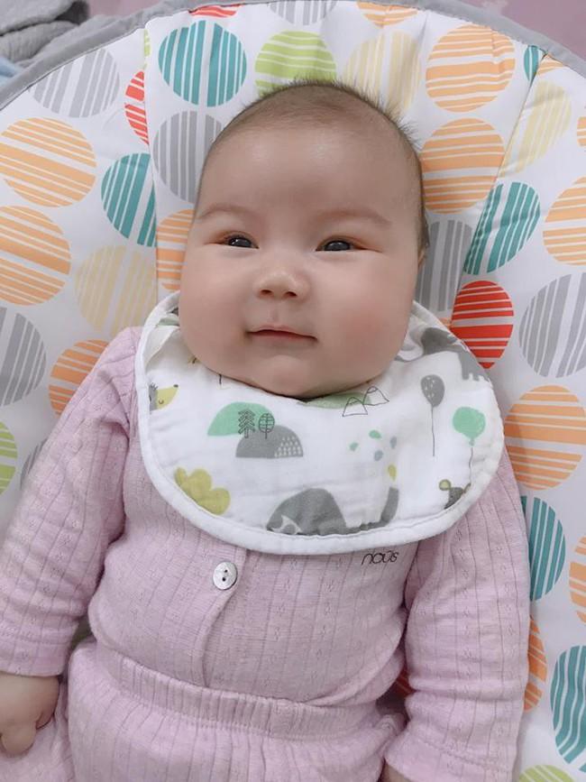 Đằng sau hình ảnh em bé bú sữa mẹ hoàn toàn trong 2 tháng mà tăng gấp đôi số cân là hành trình gian nan vì... sữa quá nhiều của mẹ 9X - Ảnh 13.