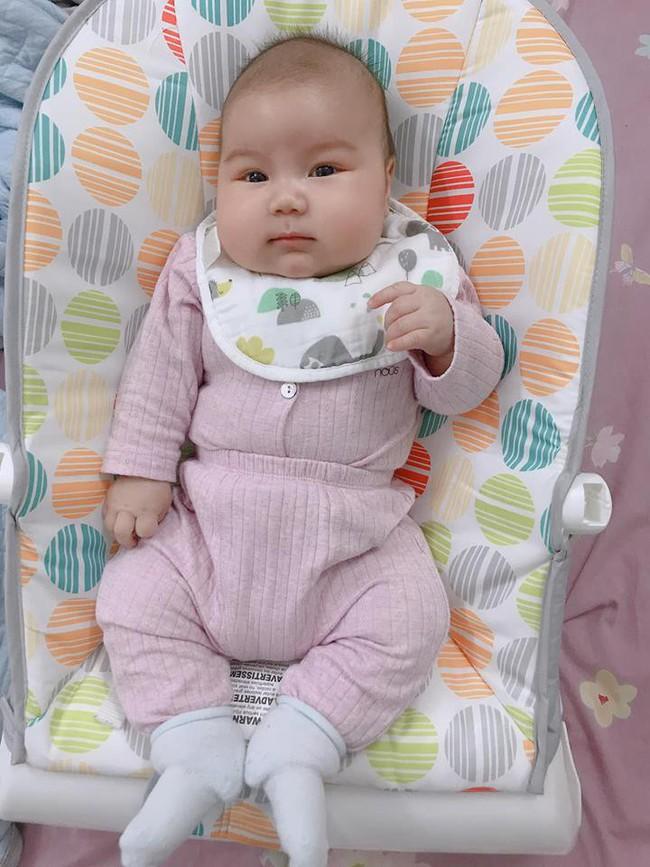 Đằng sau hình ảnh em bé bú sữa mẹ hoàn toàn trong 2 tháng mà tăng gấp đôi số cân là hành trình gian nan vì... sữa quá nhiều của mẹ 9X - Ảnh 12.