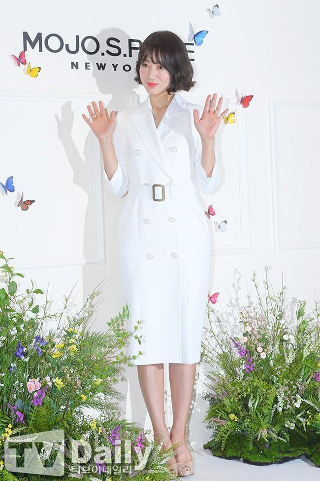 Khoe dáng nuột và đẹp khó cưỡng, Park Shin Hye thật sự đã đạt đến ngưỡng đỉnh cao nhan sắc sau khi xén tóc - Ảnh 4.