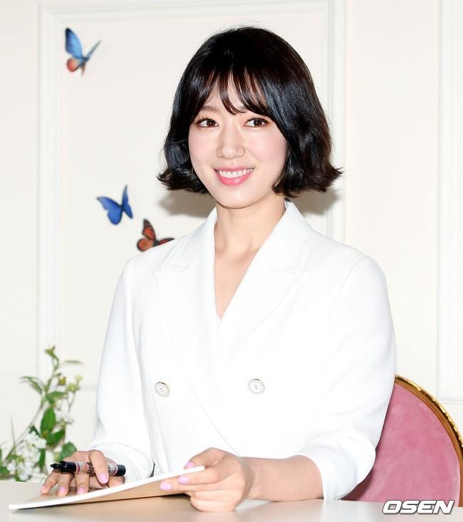 Khoe dáng nuột và đẹp khó cưỡng, Park Shin Hye thật sự đã đạt đến ngưỡng đỉnh cao nhan sắc sau khi xén tóc - Ảnh 8.