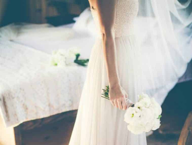 Đêm tân hôn tréo ngoe, cô dâu nhút nhát phải nhập viện vì quá sốc  - Ảnh 1.