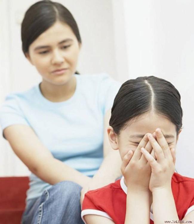 8 câu nói làm tổn thương trẻ vô cùng, thế nhưng nhiều bậc cha mẹ vẫn vô tâm nói điều ấy mỗi ngày - Ảnh 3.