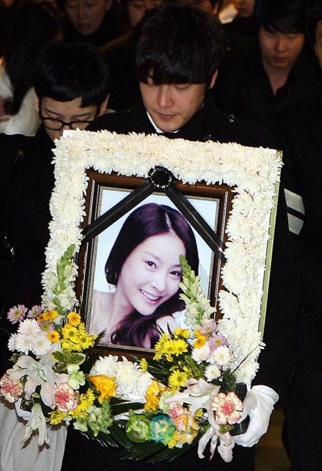 Shim madam - nút thắt bí ẩn liên quan đến cái chết của Jang Ja Yeon, Choi Jin Sil và đứng sau chi phối hàng loạt bê bối kinh khủng nhất xứ Hàn? - Ảnh 15.