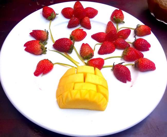 Lác mắt với những cách cắt xếp trái cây đẹp mê hồn của mẹ đảm Sài Gòn - Ảnh 13.