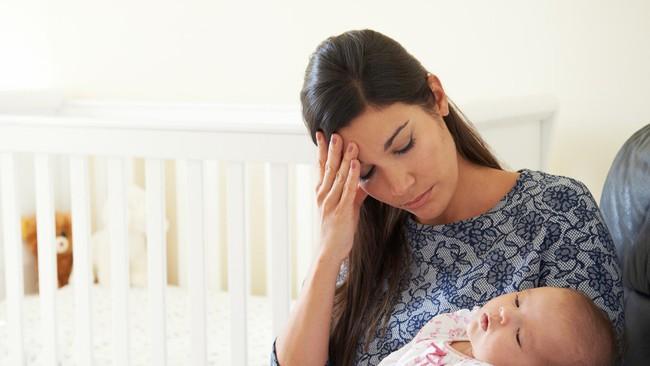 Sinh con rồi mới hiểu: Không có ai dạy cho tôi biết phải làm mẹ như thế nào! - Ảnh 2.