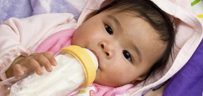 Nguyên tắc giúp con cai sữa mẹ thành công, hiệu quả nhưng vẫn có lợi cho trẻ các mẹ bỉm sữa nên nhớ - Ảnh 3.