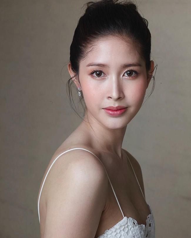 Soi mặt mộc của dàn mỹ nhân chuyển giới hot nhất Thái Lan: Nong Poy quá đỉnh, Yoshi đẹp tựa thiên thần đời thực - Ảnh 30.