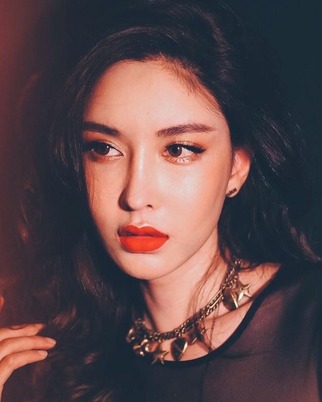 Soi mặt mộc của dàn mỹ nhân chuyển giới hot nhất Thái Lan: Nong Poy quá đỉnh, Yoshi đẹp tựa thiên thần đời thực - Ảnh 39.