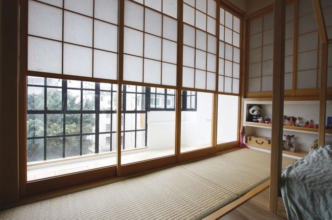 Căn hộ 83m² của gia đình trẻ ở Nhật đẹp cuốn hút nhờ có khu vực lưu trữ thông minh - Ảnh 24.