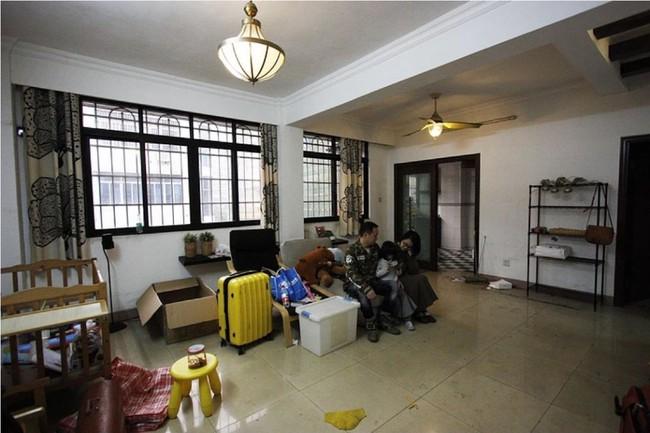 Căn hộ 83m² của gia đình trẻ ở Nhật đẹp cuốn hút nhờ có khu vực lưu trữ thông minh - Ảnh 8.