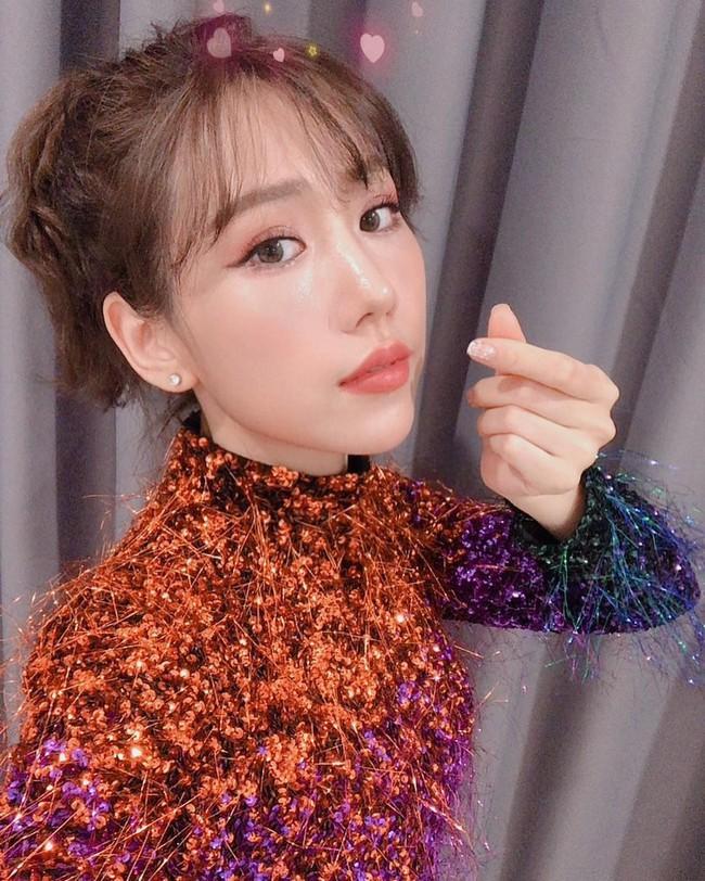 Từng chi 50 triệu để mua váy giống Song Hye Kyo, giờ Min lại đụng váy 46 triệu với Jennie (Black Pink) - Ảnh 2.