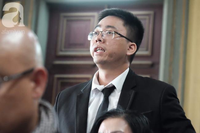 Ngày thứ 5 xét xử vụ ly hôn Trung Nguyên: Ông Vũ tươi cười đến tòa, bà Thảo tiếp tục căng thẳng - Ảnh 4.
