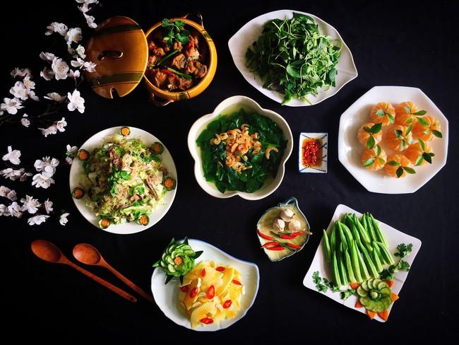 Xuýt xoa với thực đơn cuối tuần đẹp lung linh toàn món ngon của mẹ đảm Sài Gòn - Ảnh 1.