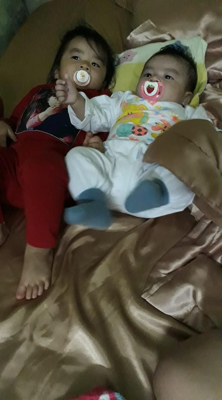 Mẹ trẻ ngủ gật ít phút, khi tỉnh dậy nhìn mặt hai con mà hốt hoảng, hội chị em thì chỉ biết bò ra cười - Ảnh 4.