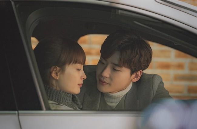 Phụ lục tình yêu: Tại sao rating leo thang nhưng phim vẫn liên tục bị phê bình? - Ảnh 8.