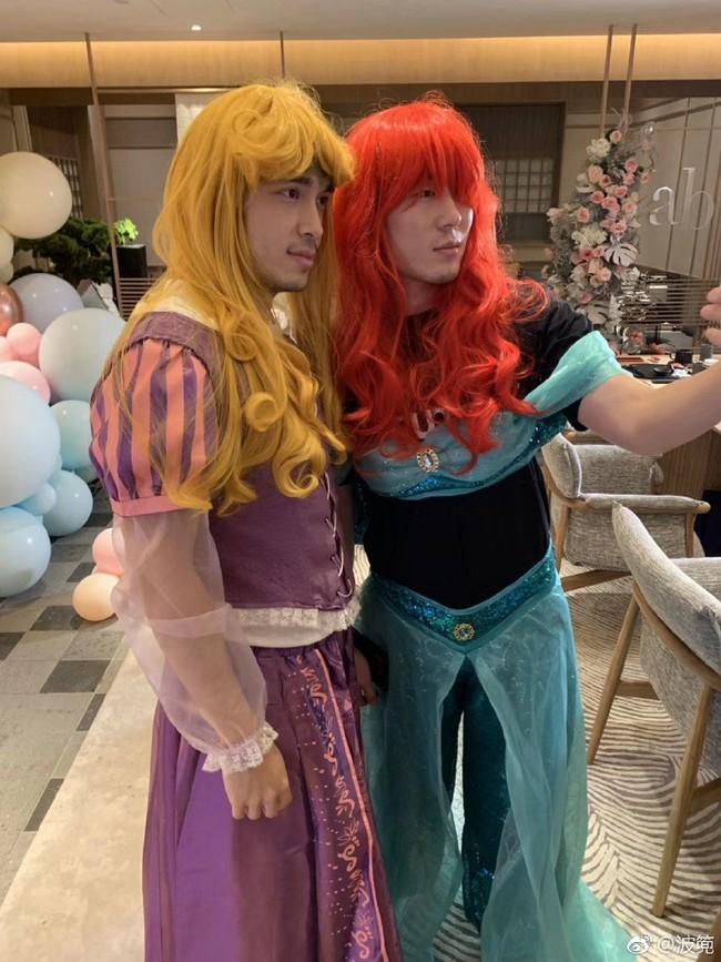 Sinh nhật hoành tráng của Angela Baby: Nữ chính cosplay Elsa, dàn bạn quẩy hết mình, nhưng ông xã không có mặt? - Ảnh 7.