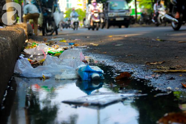 TP.HCM năm 2019: Ngột ngạt vì ô nhiễm không khí, các chỉ số vượt ngưỡng an toàn, đi đâu cũng thấy rác thải - Ảnh 5.