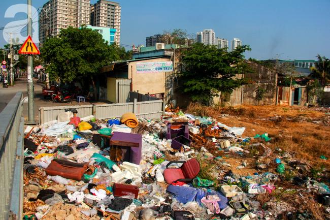 TP.HCM năm 2019: Ngột ngạt vì ô nhiễm không khí, các chỉ số vượt ngưỡng an toàn, đi đâu cũng thấy rác thải - Ảnh 13.