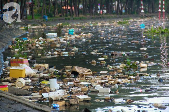 TP.HCM năm 2019: Ngột ngạt vì ô nhiễm không khí, các chỉ số vượt ngưỡng an toàn, đi đâu cũng thấy rác thải - Ảnh 9.