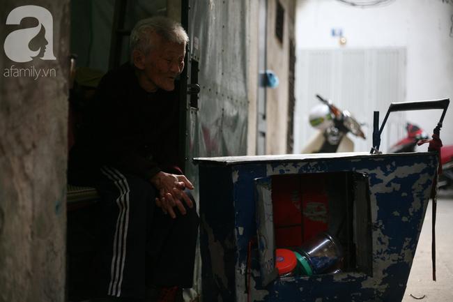 Xót cảnh cụ bà 84 tuổi, hàng ngày phải đẩy xe đi bán kẹo và tâm nguyện cuối cùng trước khi chết - Ảnh 15.