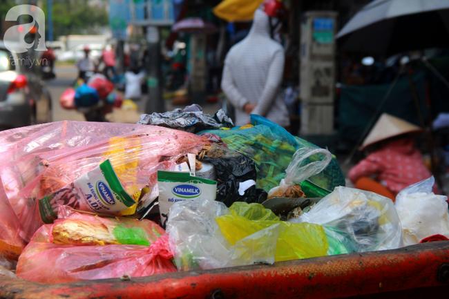 TP.HCM năm 2019: Ngột ngạt vì ô nhiễm không khí, các chỉ số vượt ngưỡng an toàn, đi đâu cũng thấy rác thải - Ảnh 1.