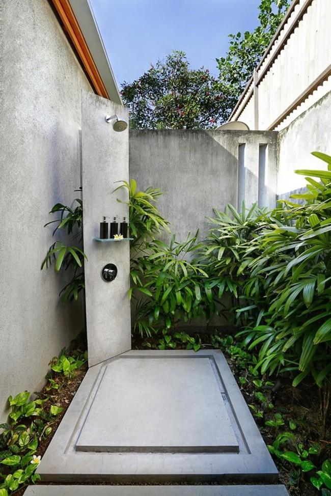 8 mẫu phòng tắm ngoài trời vừa đẹp vừa dễ để bạn biến cuộc sống tại nhà không khác gì ở các resort sang chảnh - Ảnh 2.